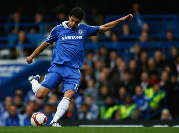 LONDON - OCTOBER 05:  Michael Ballack of Chelsea in action during the Barclays Premier League match between Chelsea and Aston Villa at Stamford Bridge on October 5, 2008 in London, England.  (Photo by Paul Gilham/Getty Images)