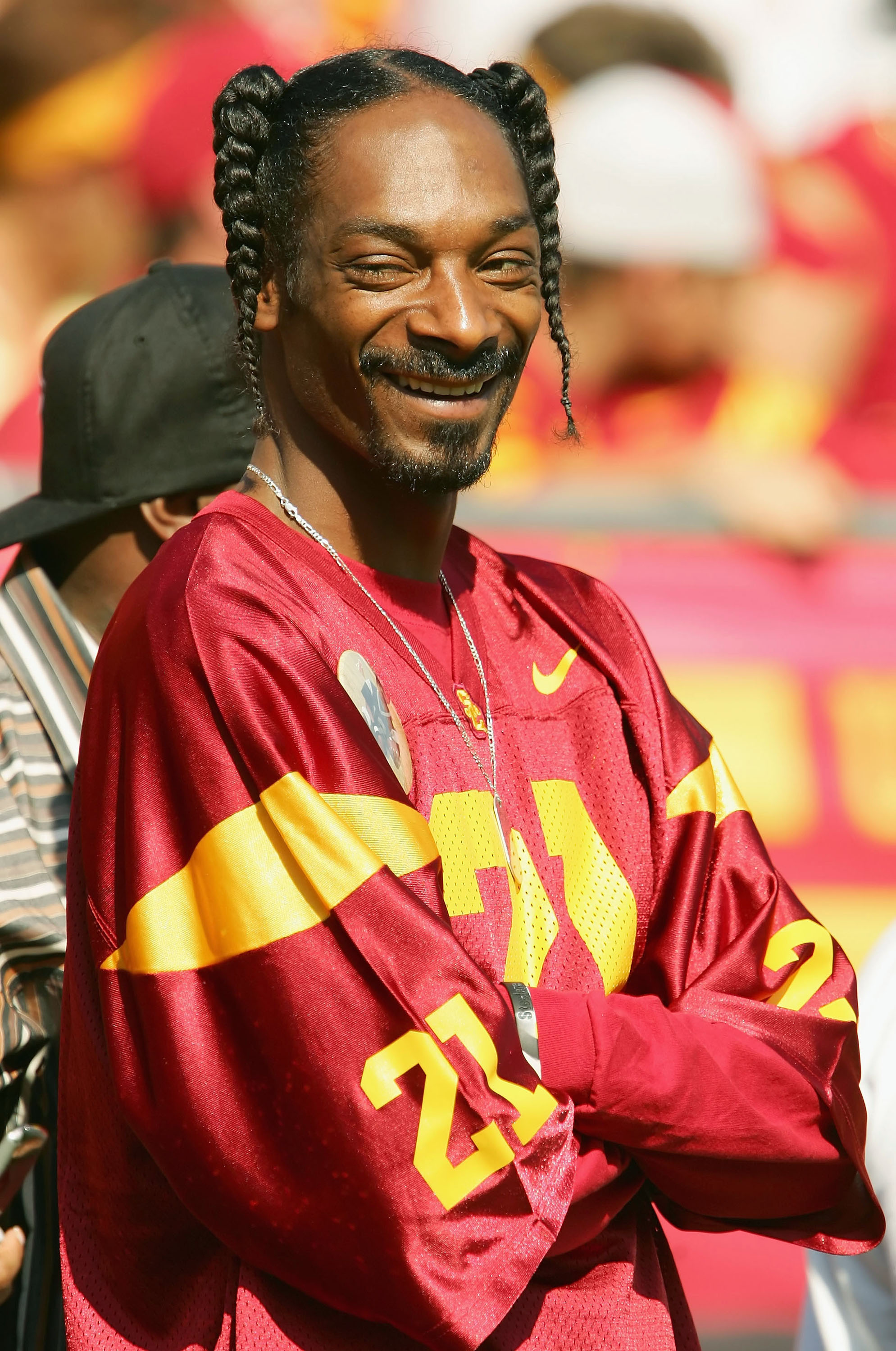 LOS ANGELES - OCTOBER 29:  Rapper Snoop Dogg watches the University of Southern California Trojans take on the Washington State Cougars October 29, 2005 at Los Angeles Memorial Coliseum in Los Angeles, California.  (Photo by Lisa Blumenfeld/Getty Images)