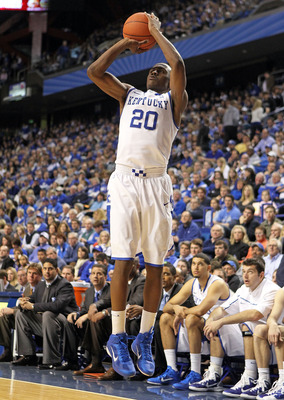 LEXINGTON, KY - DECEMBER 28:  Doron Lamb #20 of the Kentucky Wildcats shoots the ball during the game against the Coppin State Eagles at Rupp Arena on December 28, 2010 in Lexington, Kentucky.  Kentucky won 91-61.  (Photo by Andy Lyons/Getty Images)