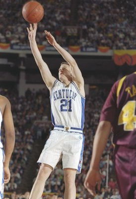 29 Mar 1997:   Guard Cameron Mills of the Kentucky Wildcats shoots the ball during a NCAA Final Four game against the Minnesota Golden Gophers at the RCA Dome in Indianapolis, Indiana.  Kentucky won the game 78 - 69. Mandatory Credit: Brian Bahr  /Allspor