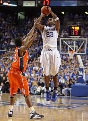 LEXINGTON, KY - JANUARY 21:  Jodie Meeks #23 of the Kentucky Wildcats shoots the ball during the SEC game against the Auburn Tigers at Rupp Arena on January 21, 2009 in Lexington, Kentucky.  (Photo by Andy Lyons/Getty Images)