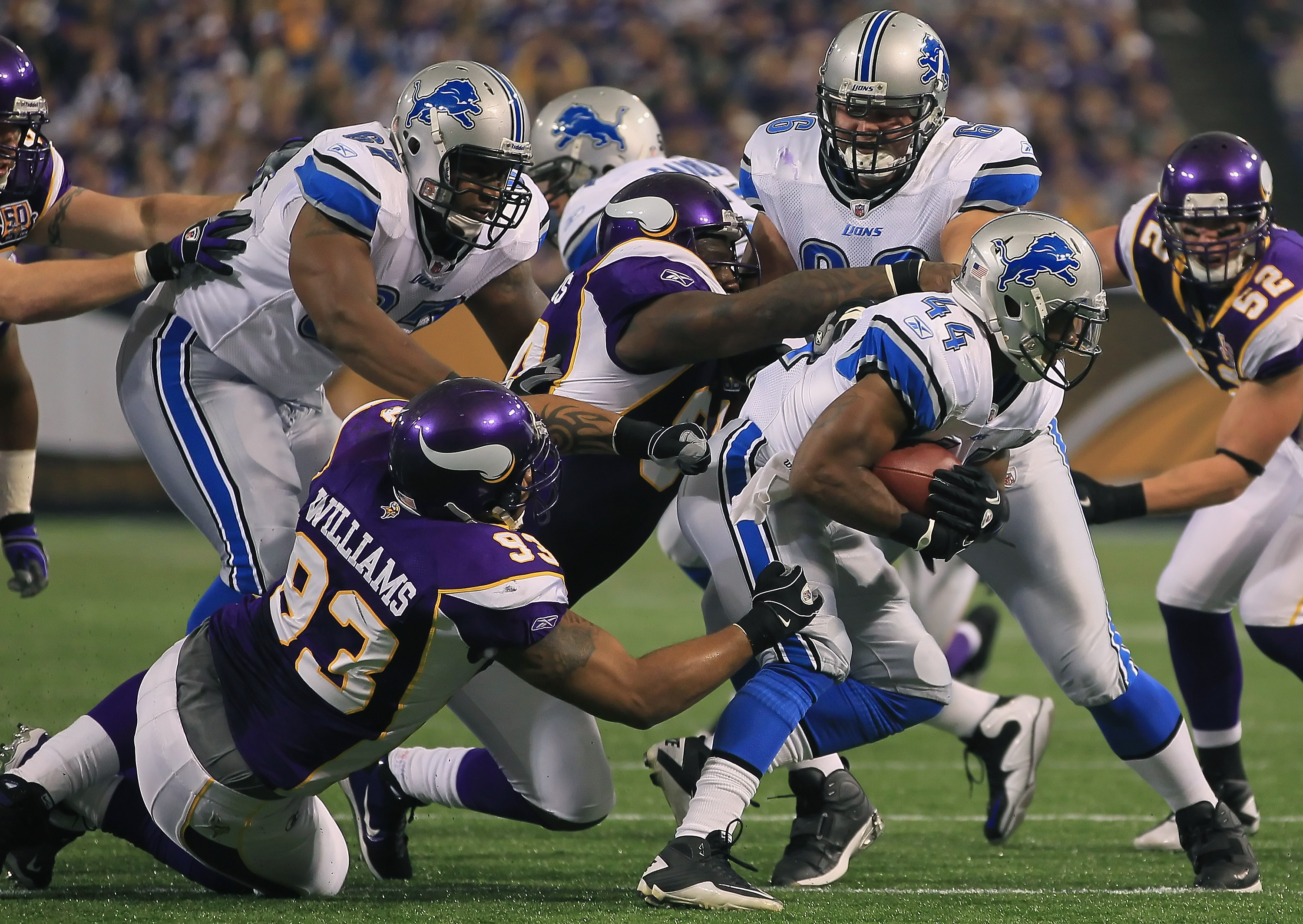 MINNEAPOLIS - SEPTEMBER 26:  Running back Jahvid Best #44 of the Detroit Lions is pursued by Kevin Williams #93 of the Minnesota Vikings during the first half at Mall of America Field on September 26, 2010 in Minneapolis, Minnesota. The Vikings defeated t