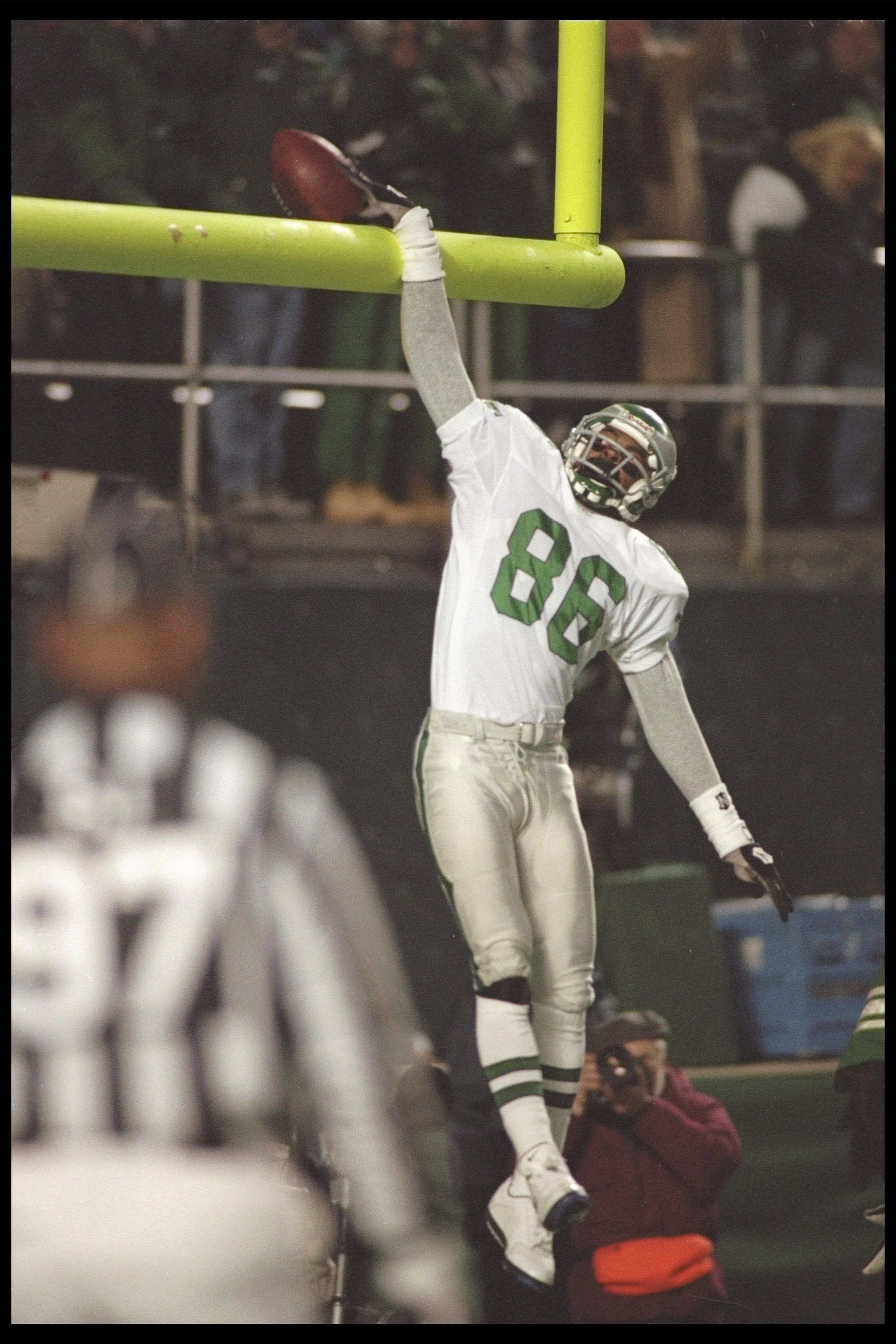 eb1ccd560cf 30 Dec 1995: Wide receiver Fred Barnett of the Philadelphia Eagles  celebrates after scoring a