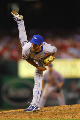 ST. LOUIS, MO - JUNE 17: Reliever Aaron Crow #43 of the Kansas City Royals pitches against the St. Louis Cardinals at Busch Stadium on June 17, 2011 in St. Louis, Missouri.  (Photo by Dilip Vishwanat/Getty Images)
