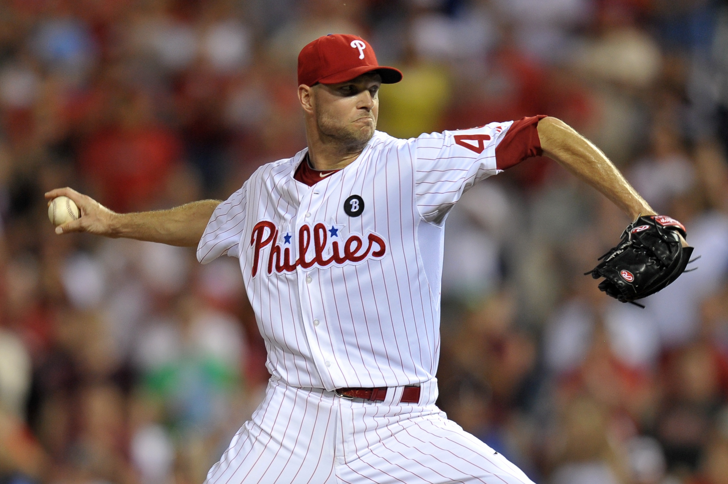 PHILADELPHIA, PA - JUNE 06: Closing pitcher Ryan Madson #46 of the Philadelphia Phillies throws the final pitch of the game against the Los Angeles Dodgers at Citizens Bank Park on June 6, 2011 in Philadelphia, Pennsylvania. The Phillies won 3-1. (Photo b