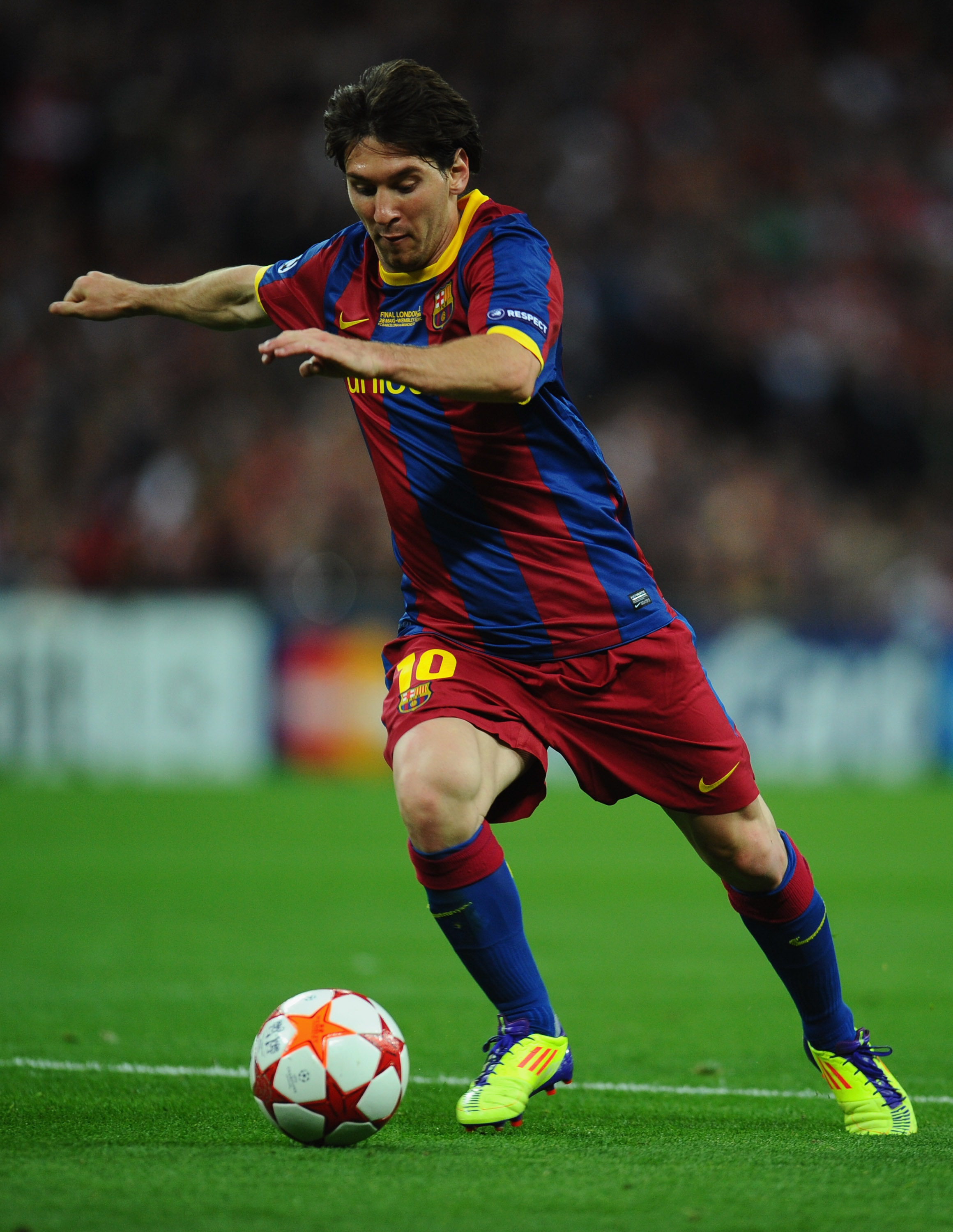 LONDON, ENGLAND - MAY 28:  Lionel Messi of FC Barcelona in action during the UEFA Champions League final between FC Barcelona and Manchester United FC at Wembley Stadium on May 28, 2011 in London, England.  (Photo by Clive Mason/Getty Images)