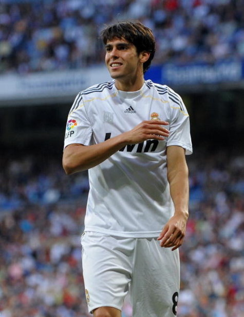 MADRID, SPAIN - SEPTEMBER 20:  Kaka of Real Madrid reacts as he fails to score during the La Liga match between Real Madrid and Xerez at the Estadio Santiago Bernabeu on September 20, 2009 in Madrid, Spain. Real Madrid won the match 5-0.  (Photo by Jasper