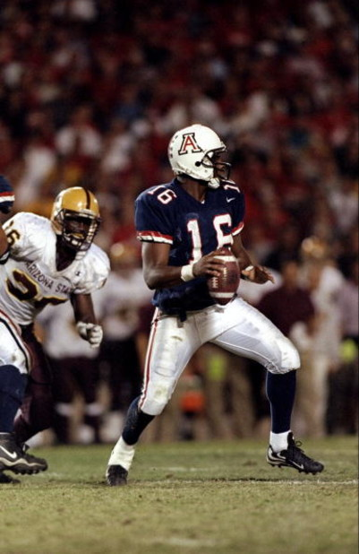 27 Nov 1998: Quarterback Ortege Jenkins #16 of the Arizona Wildcats in action during the game against the Arizona State Sun Devils at the Arizona Stadium in Tuscon, Arizona. The Wildcats defeated the Sun Devils 50-42.