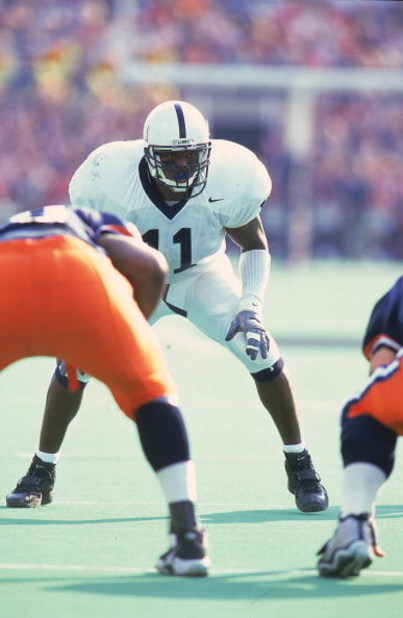 30 Oct 1999: LaVar Arrington #11 of the Penn State Nittany Lions gets ready at the line of scrimmage during the game against the Illinois Fighting Illini at the Memorial Stadium in Champaign, Illinois. The Nittany Lions defeated the Fighting Illini 27-7.