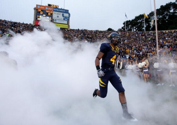 BERKELEY, CA - SEPTEMBER 05:  Jahvid Best #4 of the California Golden Bears runs on to the field for their game against the Maryland Terrapins at California Memorial Stadium on September 5, 2009 in Berkeley, California.  (Photo by Ezra Shaw/Getty Images)