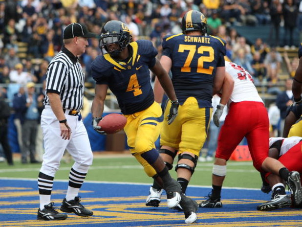 BERKELEY, CA - SEPTEMBER 12:  Jahvid Best #4 of the California Golden Bears celebrates after scoring a touchdown against the Eastern Washington Eagles at Memorial Stadium on September 12, 2009 in Berkeley, California.  (Photo by Jed Jacobsohn/Getty Images
