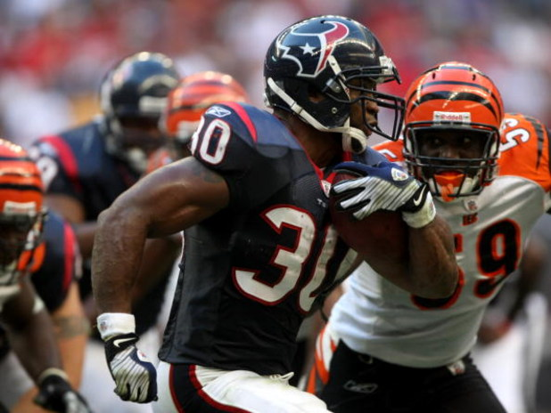 HOUSTON - OCTOBER 26:  Running back Ahman Green #30 of the Houston Texans carries the ball against the Cincinnati Bengals on October 26, 2008 at Reliant Stadium in Houston, Texas. The Texans won 35-6.  (Photo by Stephen Dunn/Getty Images)