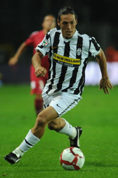 TURIN, ITALY - SEPTEMBER 19:  Mauro German Camoranesi of Juventus FC in action during the Serie A match between Juventus FC and AS Livorno at Olimpico Stadium on September 19, 2009 in Turin, Italy.  (Photo by Valerio Pennicino/Getty Images)