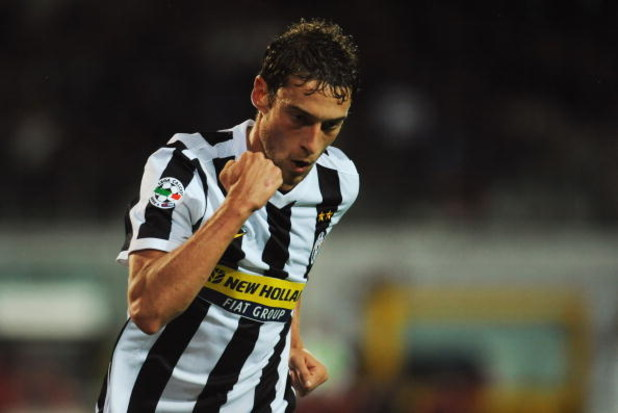 TURIN, ITALY - SEPTEMBER 19:  Claudio Marchisio of Juventus FC celebrates his goal during the Serie A match between Juventus FC and AS Livorno at Olimpico Stadium on September 19, 2009 in Turin, Italy.  (Photo by Valerio Pennicino/Getty Images)