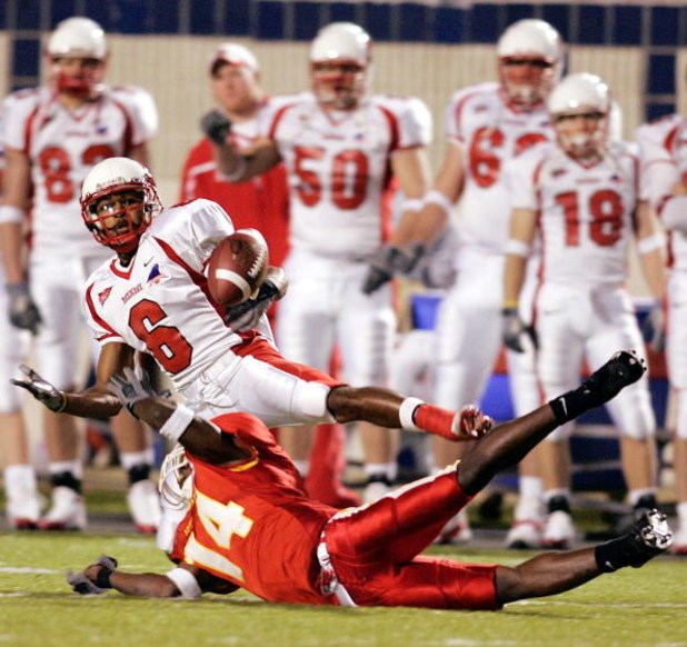 NEW ORLEANS - DECEMBER 28:  DeAndre Jackson #14 of Iowa State breaks up a pass intended for Michael Larkin #6 of Miami of Ohio during the Independence bowl at Independence Stadium on December 28, 2004 in Shreveport, Louisiana. (Photo by Chris Graythen/Get