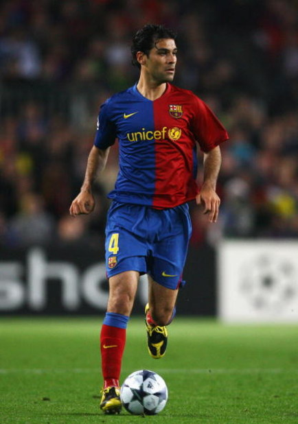 BARCELONA, SPAIN - APRIL 28:  Rafael Marquez of Barcelona in action during the UEFA Champions League Semi Final First Leg match between Barcelona and Chelsea at the Nou Camp Stadium on April 28, 2009 in Barcelona, Spain.  (Photo by Alex Livesey/Getty Imag