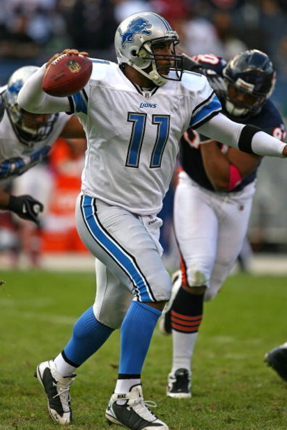 CHICAGO - OCTOBER 04: Daunte Culpepper #11 of the Detroit Lions attempts a pass against the Chicago Bears on October 4, 2009 at Soldier Field in Chicago, Illinois. The Bears defeated the Lions 48-24. (Photo by Jonathan Daniel/Getty Images)