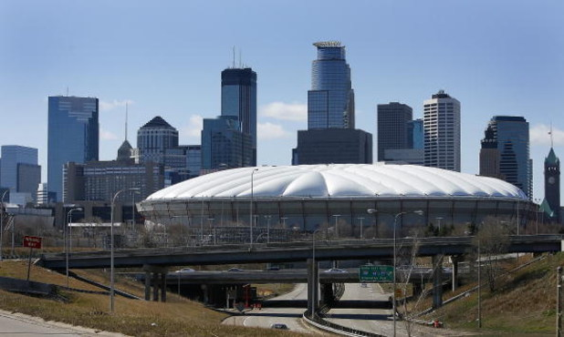 MINNEAPOLIS, MN - APRIL 6: The Minnesota Twins host the Seattle Mariners at the Metrodome at opening day April 6, 2009 in Minneapolis, Minnesota. This is the last home opener at the Metrodome, the 2010 season is planned to be at the new Target Field, also