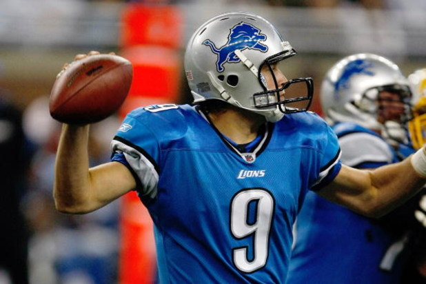DETROIT, MI - SEPTEMBER 27: Quarterback Matthew Stafford #9 of the Detroit Lions passes the football against the Washington Redskins at Ford Field on September 27, 2009 in Detroit, Michigan. The Lions defeated the Redskins 19-14. (Photo by Scott Boehm/Get