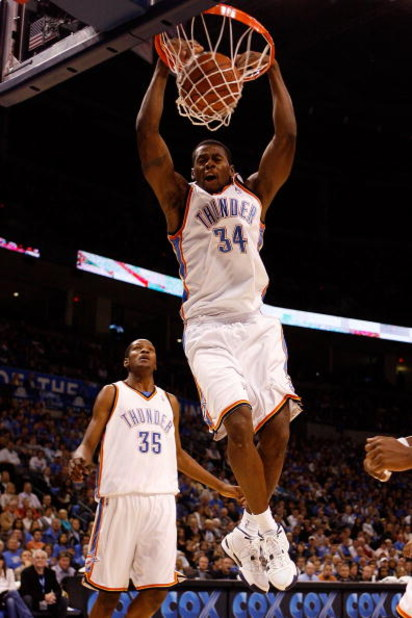 OKLAHOMA CITY - OCTOBER 29: Desmond Mason #34 of the Oklahoma City Thunder dunks the ball against the Milwaukee Bucks at the Ford Center on October 29, 2008 in Oklahoma City, Oklahoma. The Bucks defeated the Thunder 98-87.  NOTE TO USER: User expressly ac