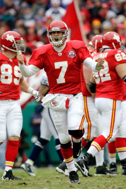 KANSAS CITY, MO - OCTOBER 11:  Quarterback Matt Cassel #7 of the Kansas City Chiefs celebrates after a touchdown during the game against the Dallas Cowboys on October 11, 2009 at Arrowhead Stadium in Kansas City, Missouri.  (Photo by Jamie Squire/Getty Im