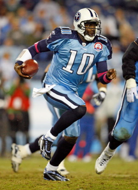 NASHVILLE, TN - OCTOBER 11:  Vince Young #10 of the Tennessee Titans runs with the ball during the NFL game against the Indianapolis Colts at LP Field on October 11, 2009 in Nashville, Tennessee.  (Photo by Andy Lyons/Getty Images)