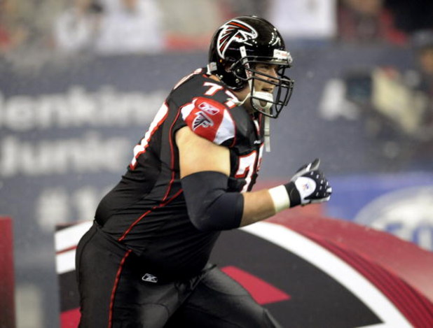 ATLANTA - NOVEMBER 23: Tackle Tyson Clabo #77 of the Atlanta Falcons enters the field before play against the Carolina Panthers at the Georgia Dome on November 23, 2008 in Atlanta, Georgia.  (Photo by Al Messerschmidt/Getty Images)