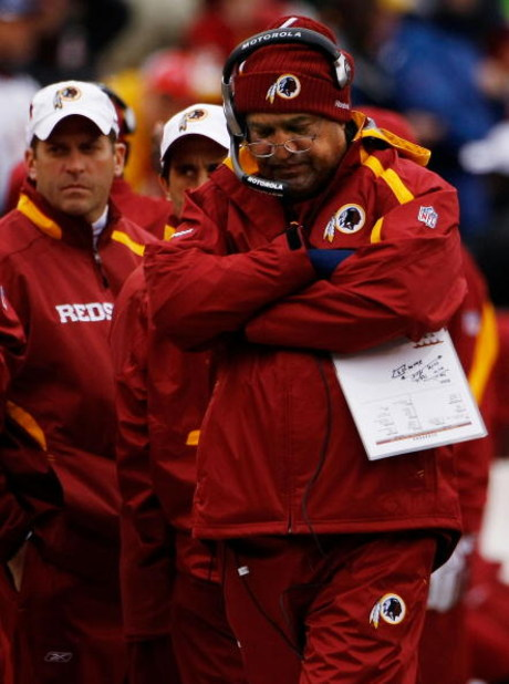 LANDOVER, MD - OCTOBER 18:  Greg Blache, Washington Redskins defensive coordinator, on the sideline during a loss to the Kansas Chiefs October 18, 2009 at FedEx Field in Landover, Maryland. The Chiefs won the game 14-6.  (Photo by Win McNamee/Getty Images