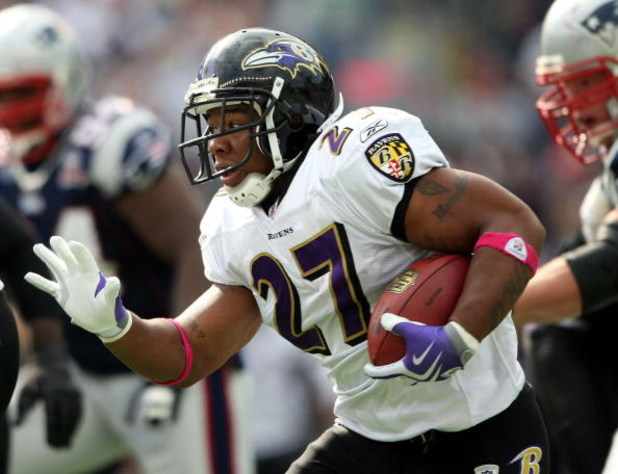 FOXBORO, MA - OCTOBER 04:  Ray Rice #27  of the Baltimore Ravens carries the ball in the first half against the New England Patriots on October 4, 2009 at Gillette Stadium in Foxboro, Massachusetts.  (Photo by Elsa/Getty Images)