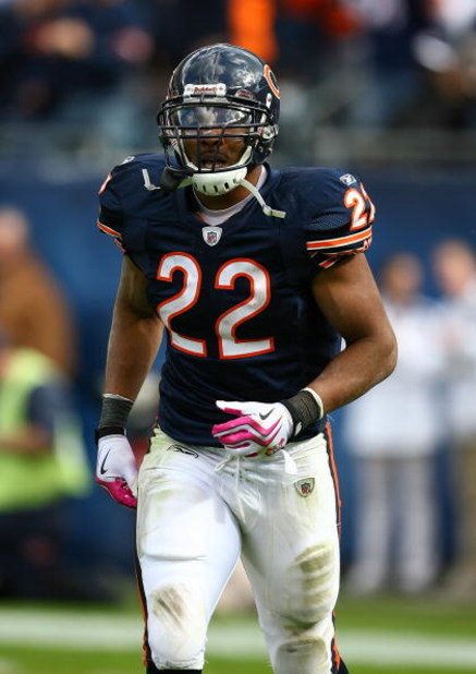CHICAGO - OCTOBER 04: Matt Forte #22 of the Chicago Bears runs off the field after scoring a touchdown against the Detroit Lions on October 4, 2009 at Soldier Field in Chicago, Illinois. The Bears defeated the Lions 48-24. (Photo by Jonathan Daniel/Getty