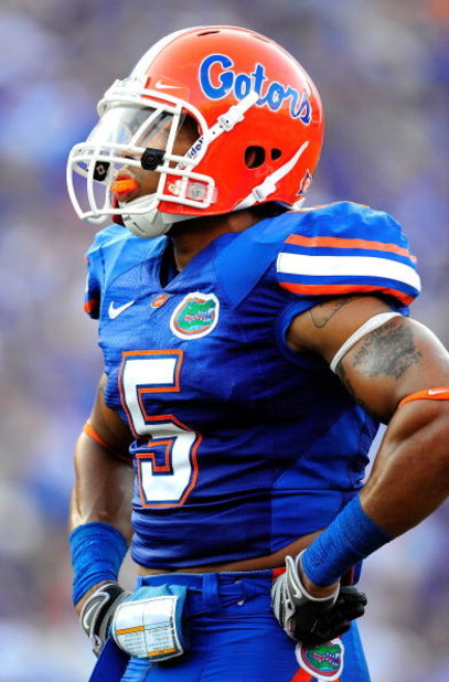 GAINESVILLE, FL - SEPTEMBER 19:  Joe Haden #5 of the Florida Gators prior to the game against the Tennessee Volunteers at Ben Hill Griffin Stadium on September 19, 2009 in Gainesville, Florida.  (Photo by Sam Greenwood/Getty Images)