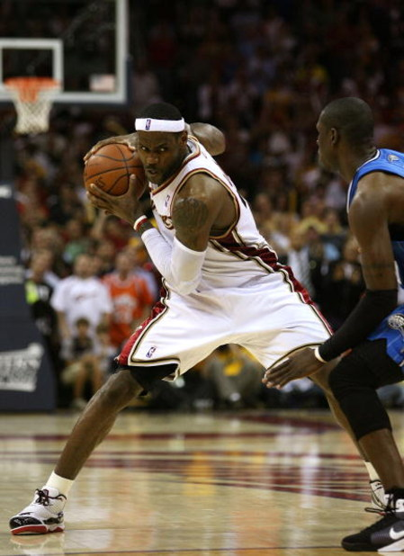 CLEVELAND - MAY 28: LeBron James #23 of the Cleveland Cavaliers handles the ball against the Orlando Magic in Game Five of the Eastern Conference Finals during the 2009 Playoffs at Quicken Loans Arena on May 28, 2009 in Cleveland, Ohio. NOTE TO USER: User