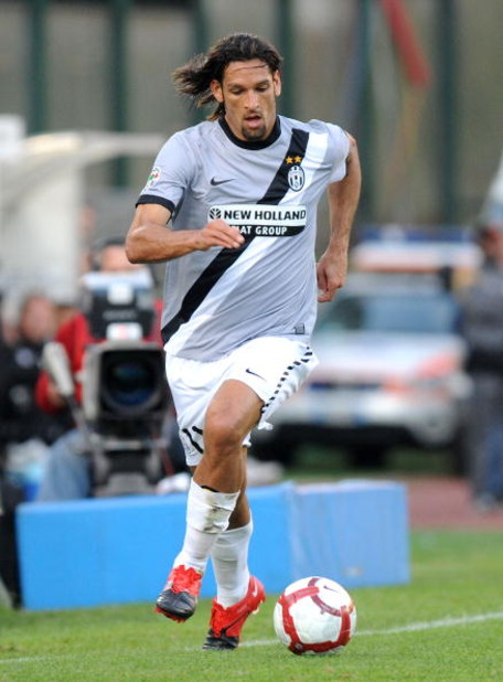 SIENA, ITALY - OCTOBER 25:  Amauri of Juventus FC in action during the Serie A match between AC Siena and Juventus FC at Artemio Franchi - Mps Arena Stadium on October 25, 2009 in Siena, Italy.  (Photo by Massimo Cebrelli/Getty Images)