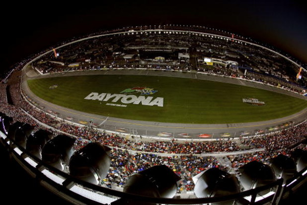 DAYTONA, FL - FEBRUARY 18:  A general view of the track during the NASCAR Nextel Cup Series Daytona 500 at Daytona International Speedway on February 18, 2007 in Daytona, Florida.  (Photo by Jamie Squire/Getty Images for NASCAR)