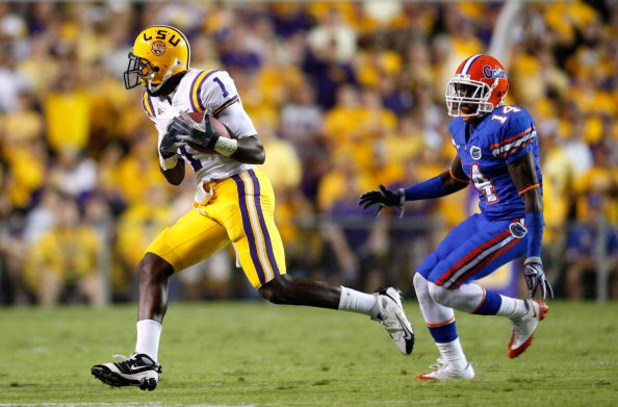 BATON ROUGE, LA - OCTOBER 10:  Brandon LaFell #1 of the Louisiana State University Tigers against Markihe Anderson #14 of the Florida Gators at Tiger Stadium on October 10, 2009 in Baton Rouge, Louisiana.  (Photo by Kevin C. Cox/Getty Images)