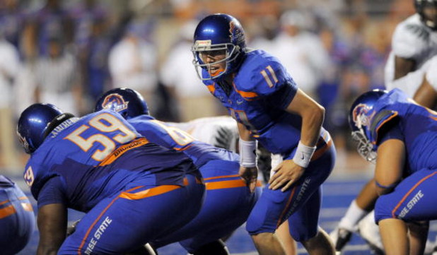 BOISE, ID - SEPTEMBER 3: Quarterback Kellen Moore #6 of the Boise State Broncos yells out the play to his linemen in the third quarter of the game against the Oregon Ducks at Bronco Stadium on September 3, 2009 in Boise, Idaho. Boise State won the game 19