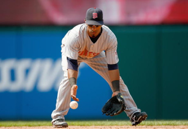 CLEVELAND - JULY 27:  Alexi Casilla #25 of the Minnesota Twins gets ready to field during the game against the Cleveland Indians at Progressive Field on July 27, 2008 in Cleveland, Ohio.  (Photo by:  Gregory Shamus/Getty Images)
