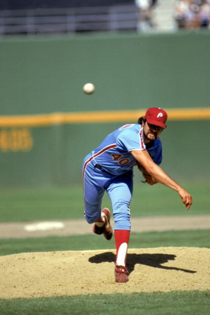 SAN DIEGO - 1986:  Steve Bedrosian #40 of the Philadelphia Phillies delivers the pitch during the 1986 season MLB game against the San Diego Padres at Jack Murphy Stadium in San Diego, California.  (Photo by Stephen Dunn/Getty Images)