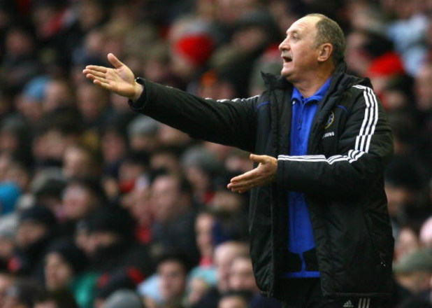 LIVERPOOL, UNITED KINGDOM - FEBRUARY 01:  Chelsea Manager Luis Felipe Scolari gestures to his players during the Barclays Premier League match between Liverpool and Chelsea at Anfield on February 1, 2009 in Liverpool, England. (Photo by Alex Livesey/Getty