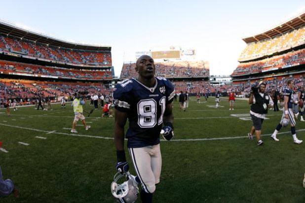 CLEVELAND - SEPTEMBER 7:  Terrell Owens #81 of the Dallas Cowboys walks off the field following the game against the Cleveland Browns at Cleveland Browns Stadium on September 7, 2008 in Cleveland, Ohio.  (Photo by Kevin C. Cox/Getty Images)