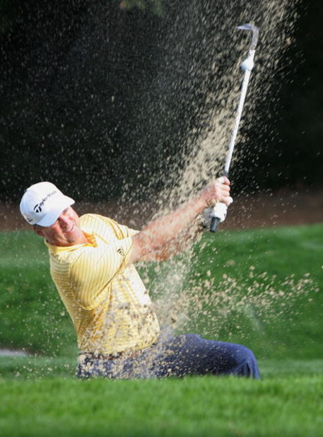 THOUSAND OAKS, CA - DECEMBER 11:  Kenny Perry hits a bunker shot to the fifth green during the final round of the Target World Challenge on December 11, 2005 at the Sherwood Country Club in Thousand Oaks, California.  (Photo by Jeff Gross/Getty Images)