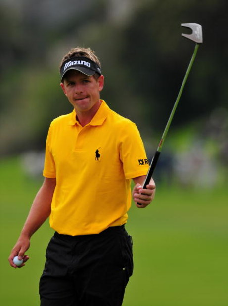PACIFIC PALISADES, CA - FEBRUARY 21:  Luke Donald of England on the 18th hole during the third round of the Northern Trust Open at the Riviera Country Club February 21, 2009 in Pacific Palisades, California.  (Photo by Stuart Franklin/Getty Images)
