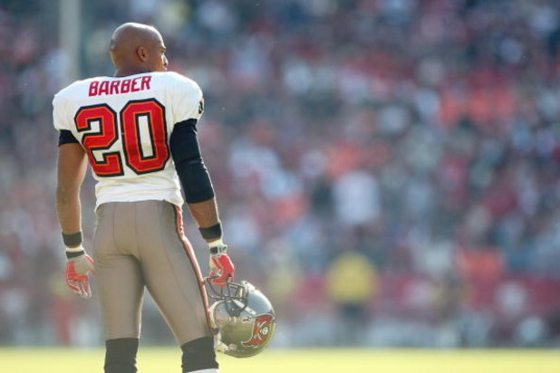 SAN FRANCISCO - DECEMBER 23: Ronde Barber #20 of the Tampa Bay Buccaneers looks on during the NFL game against the San Francisco 49ers at Monster Park on December 23, 2007 in San Francisco, California. (Photo by Jed Jacobsohn/Getty Images)