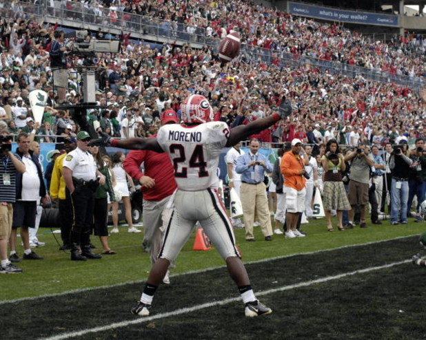 ORLANDO, FL - JANUARY 1: Running back Knowshon Moreno #24 of the University of Georgia celebrates a touchdown catch against the Michigan State Spartans during the 2009 Capital One Bowl at the Citrus Bowl on January 1, 2009 in Orlando, Florida.  (Photo by