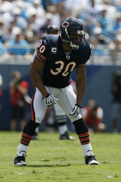 CHARLOTTE, NC - SEPTEMBER 14:  Mike Brown #30 of the Chicago Bears looks on during the game against the Carolina Panthers at Bank of America Stadium on September 14, 2008 in Charlotte, North Carolina. (Photo by Kevin C. Cox/Getty Images)