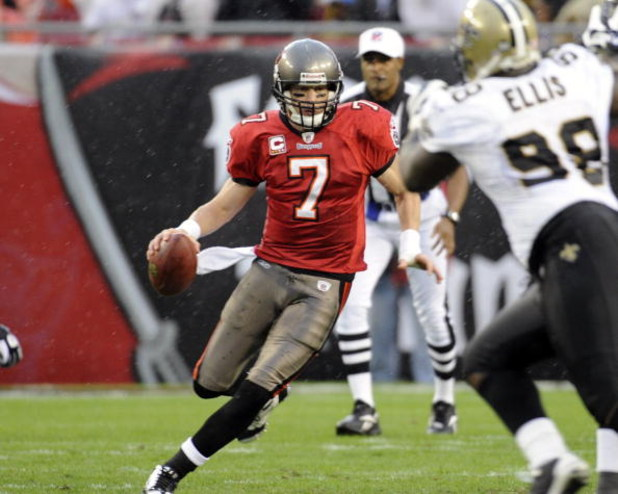 TAMPA, FL - NOVEMBER 30: Quarterback Jeff Garcia #7 of the Tampa Bay Buccaneers scrambles against the New Orleans Saints at Raymond James Stadium on November 30, 2008 in Tampa, Florida.  (Photo by Al Messerschmidt/Getty Images)