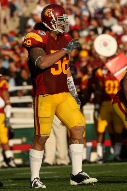 PASADENA, CA - JANUARY 01:  Rey Maualuga #58 of the USC Trojans plays defense during the game against the Penn State Nittany Lions during the 95th Rose Bowl Game presented by Citi on January 1, 2009 at the Rose Bowl in Pasadena, California.  (Photo by Ste