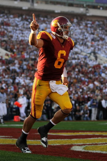 PASADENA, CA - JANUARY 01:  Quarterback Mark Sanchez #6 of the USC Trojans celebrates a touchdown at the end of the first half against the Penn State Nittany Lions during the 95th Rose Bowl Game presented by Citi on January 1, 2009 at the Rose Bowl in Pas