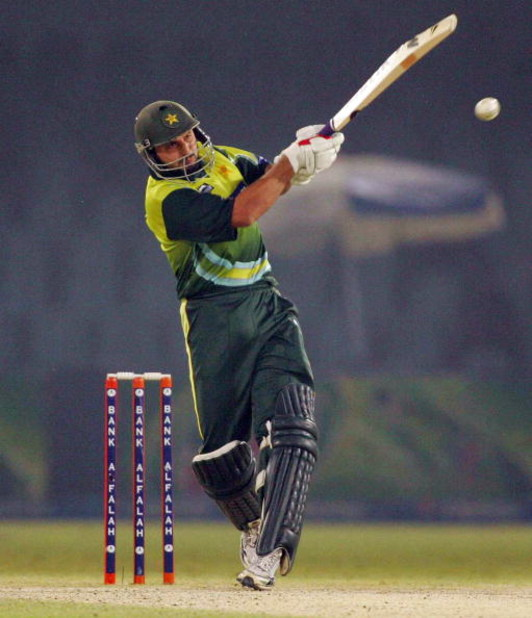 LAHORE, PAKISTAN - OCTOBER 18: Shahid Afridi of Pakistan in action during the first ODI match between Pakistan and South Africa held at Gaddafi Stadium on October 18, 2007 in Lahore, Pakistan. (Photo by Lee Warren/Gallo Images/Getty Images)