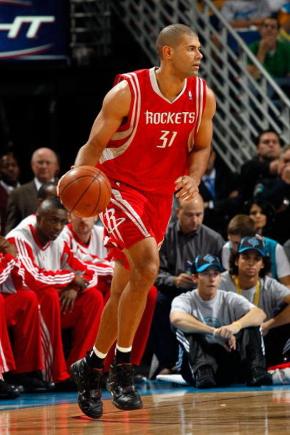 NEW ORLEANS - DECEMBER 26:  Shane Battier #31 of the Houston Rockets dribbles the ball during the game against the New Orleans Hornets on December 26, 2008 at the New Orleans Arena in New Orleans, Louisiana.  NOTE TO USER: User expressly acknowledges and